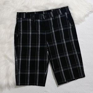 Hurley black plaid boys short sz 18